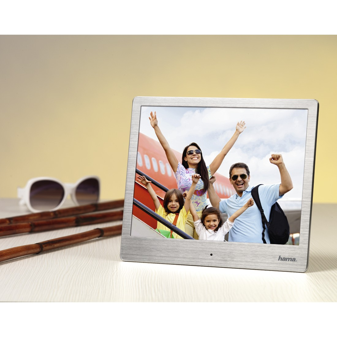 "awx High-Res Appliance - Hama, ""8SLB"" Digital Photo Frame, 20.32 cm (8.0""), slim steel, 1024 x 768 px"