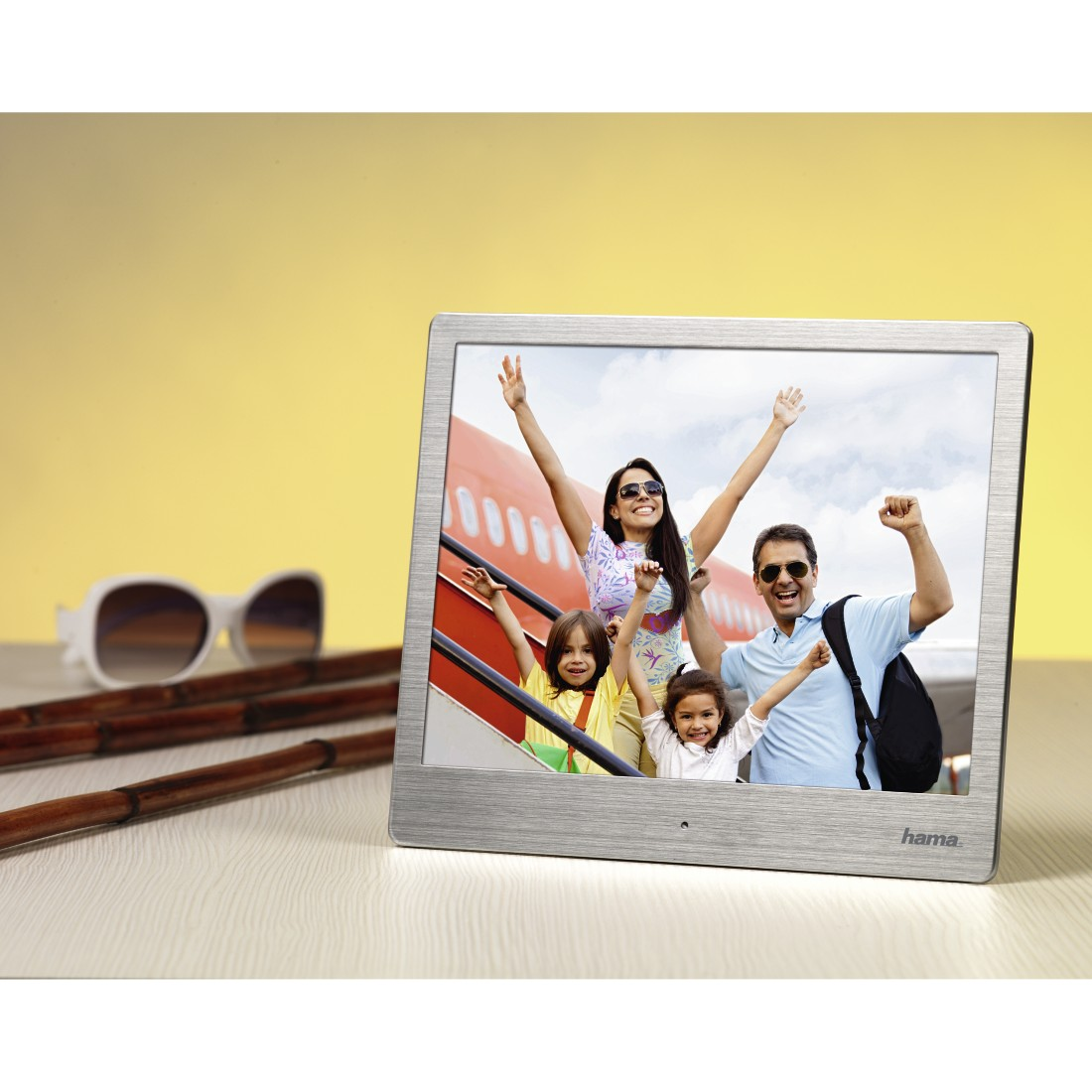 "awx2 High-Res Appliance 2 - Hama, ""8SLB"" Digital Photo Frame, 20.32 cm (8.0""), slim steel, 1024 x 768 px"